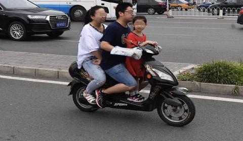 2020北京电动车带人违法吗?北京电动车没牌照罚款多少?